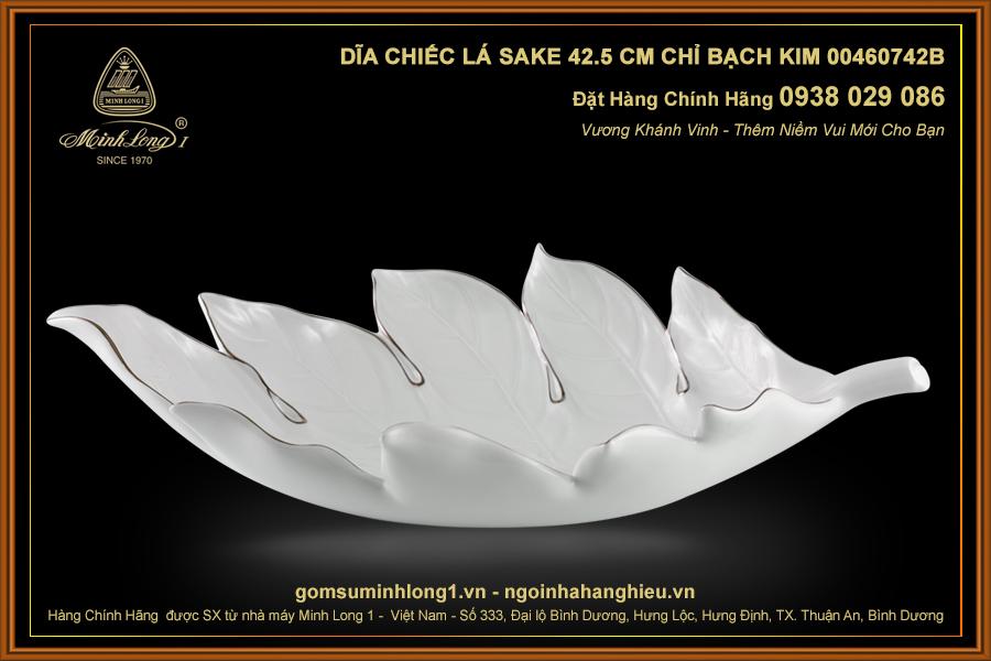 Dĩa chiếc lá Sake 42.5 cm Chỉ Bạch Kim 00460742B